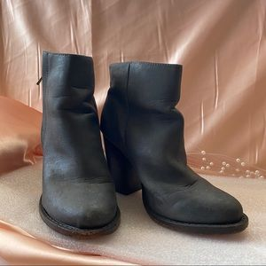 UO Gray Heeled Boots 6.5